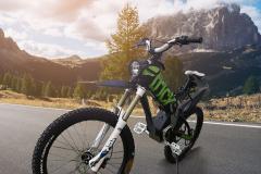 moto-R01-noir-02