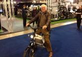 Claude Dubois, ancien grand pilote automobile Belge et toujours motard a essayé le eTRICKS Citizen