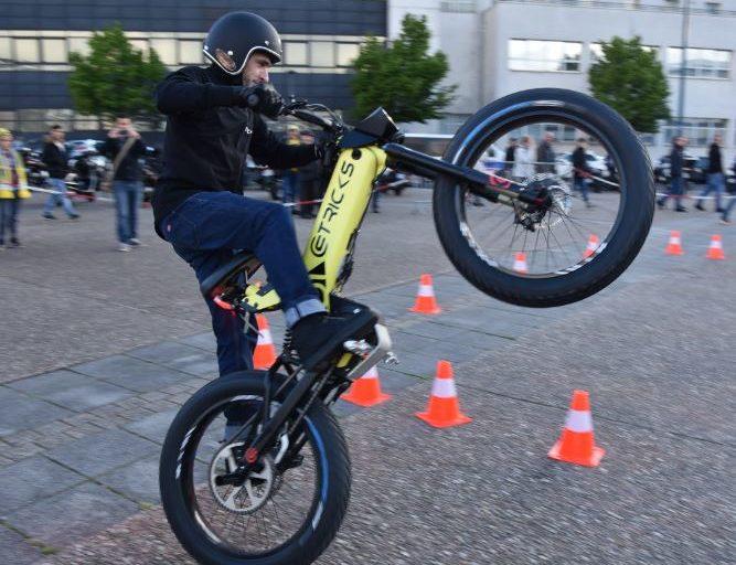 [VIDEO] Découvrez le stunt show de Mekatrix au guidon d'un F01!